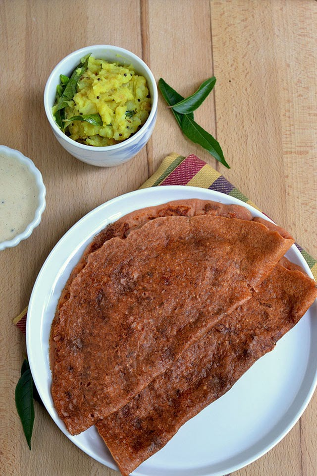 Oats dosa with tomato