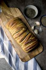 Buttery Garlic Pull apart Bread (makes )