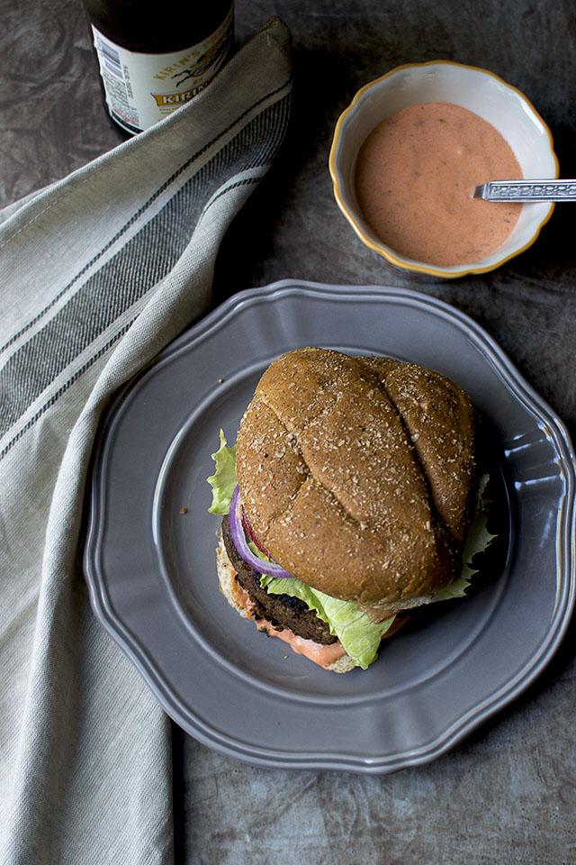 Vegetarian Burger with lentils & mushroom