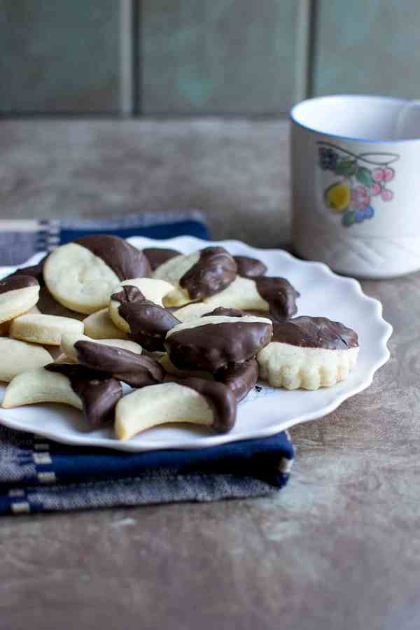 Crescent Cookies (Holiday Edible Gift Recipe)