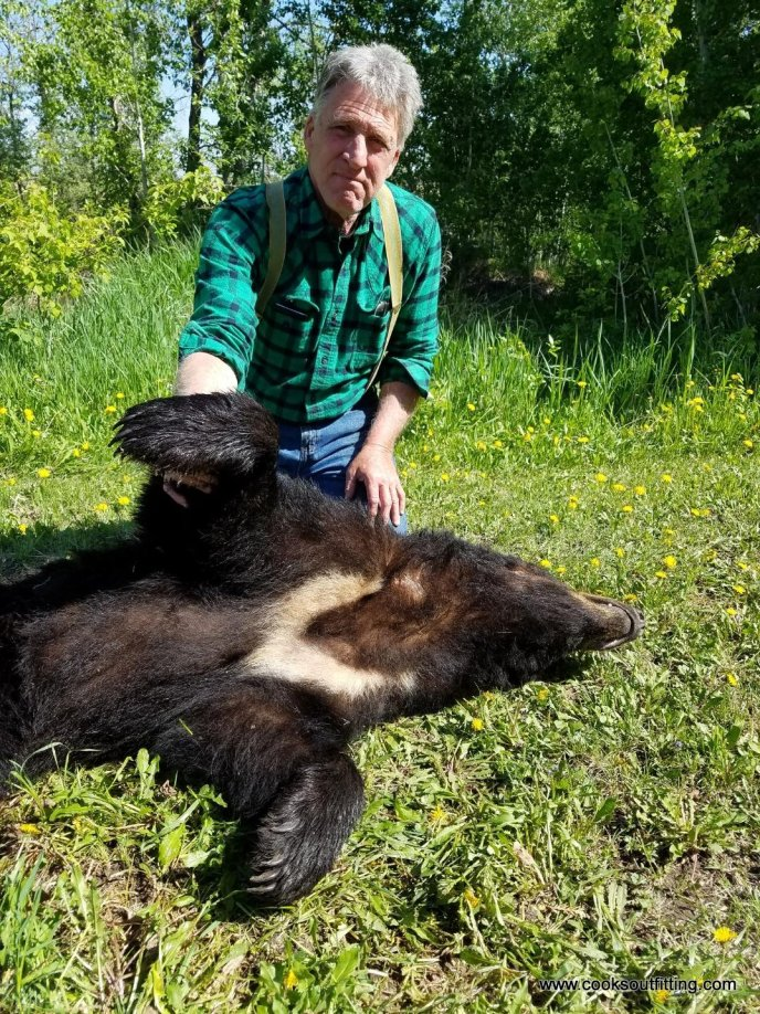 bear-hunts-canada (4)
