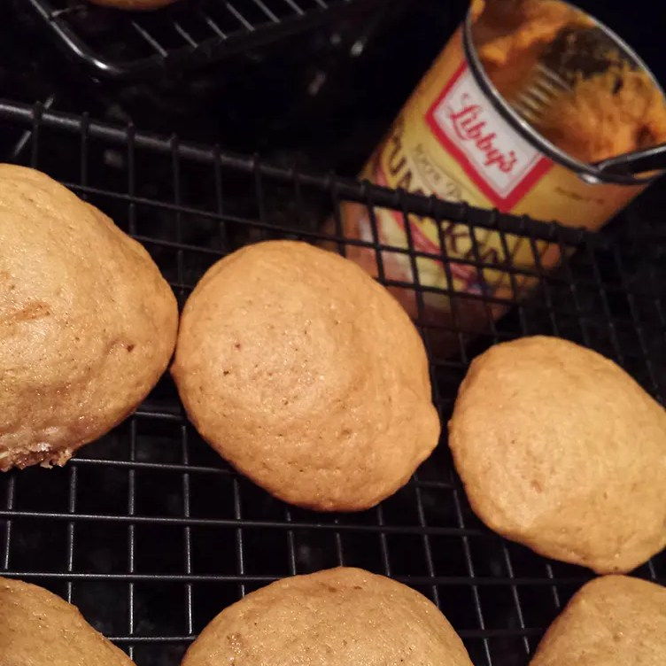 Mini Pumpkin Whoopie Pie Cakes