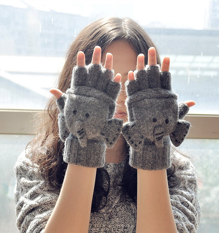 Texting Gloves Are Very Cool Gift For Girls