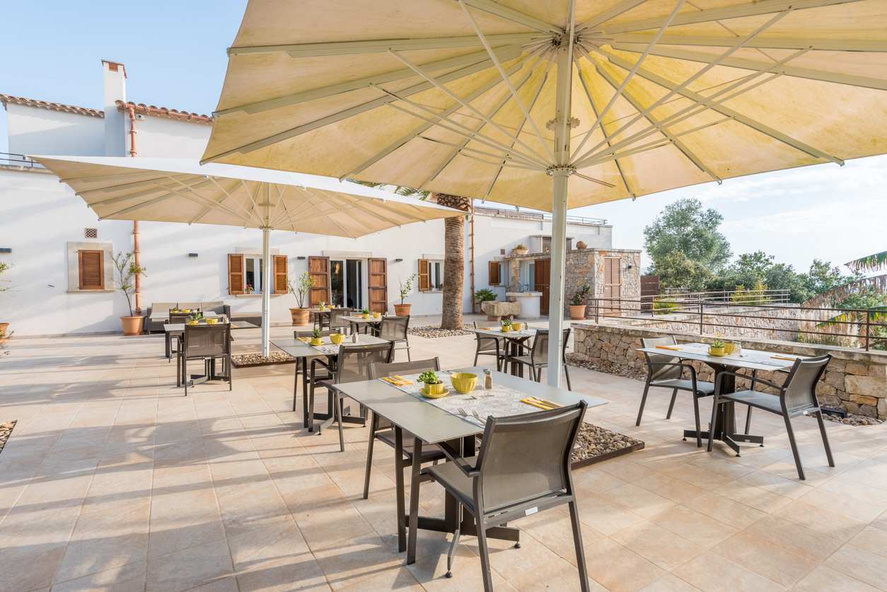 4 best patio umbrella manufacturers for umbrellas of every type