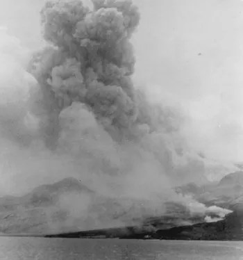 The volcanic eruption of Mount Pelée on Martinique in 1902. Credit: Library of Congress.
