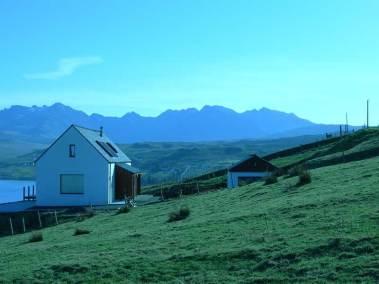 calath-skye-outside-view-hills