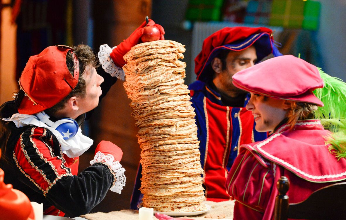 De Grote Sinterklaasfilm Trammelant in Spanje st 6
