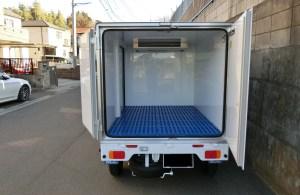 中温冷凍車 リア観音ドア