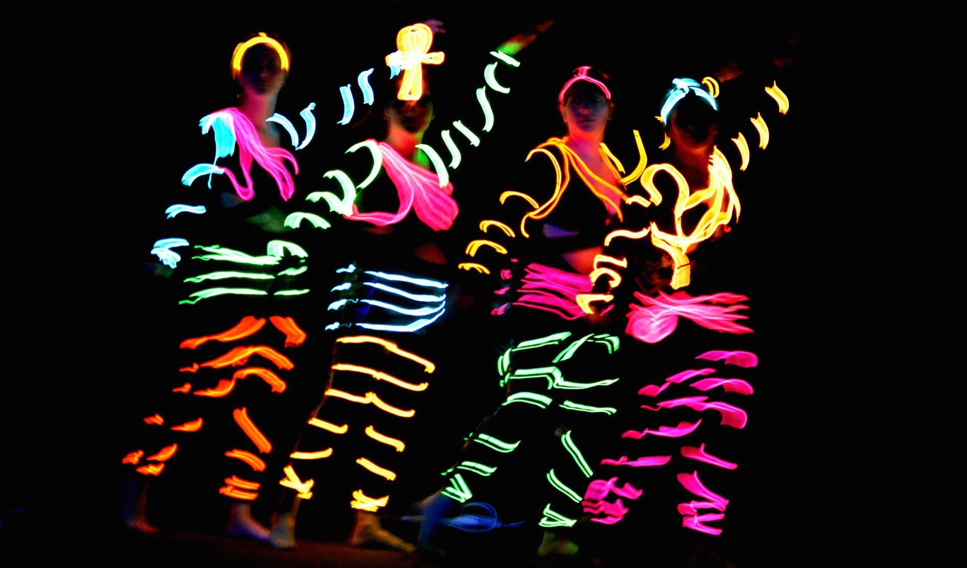 Dancing In Cool Neon Electroluminescent Wire! - Cool Neon EL Wire