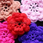 How to crochet a pretty little flower