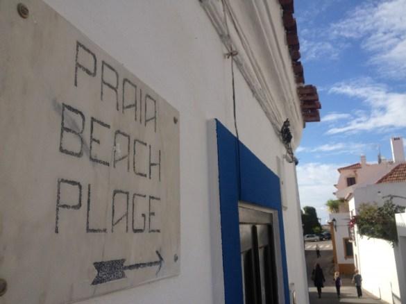 Der nächste Strand ist meist nur einen Steinwurf entfernt: Costa Vicentina