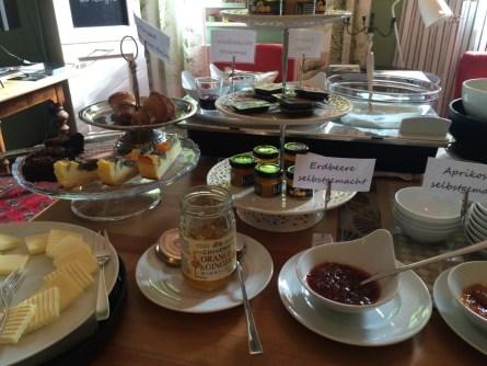 Frühstück – liebevoll angerichtet