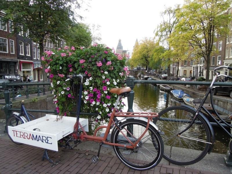 amsterdam-991574_1920