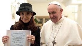 """La jefa de Estado dijo haberse impresionado cuando, en medio de su conversación, el papa habló de """"la Patria Grande"""" y alabó los esfuerzos de los mandatarios latinoamericanos que trabajan por la unidad."""