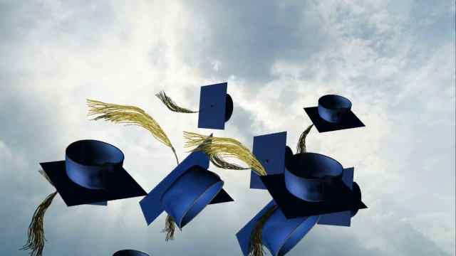 Graduation wishes: what to write in a graduation card - Coopers