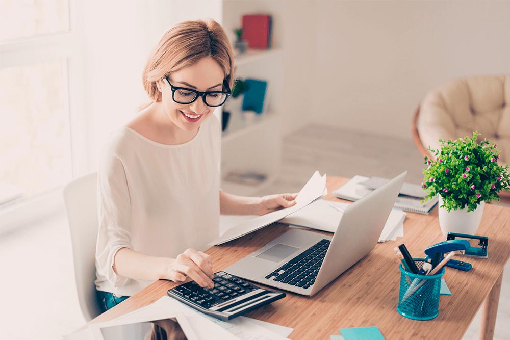Como são calculados os juros sobre empréstimos e financiamentos?