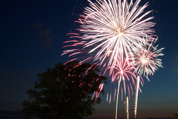 fireworks-812879_1280