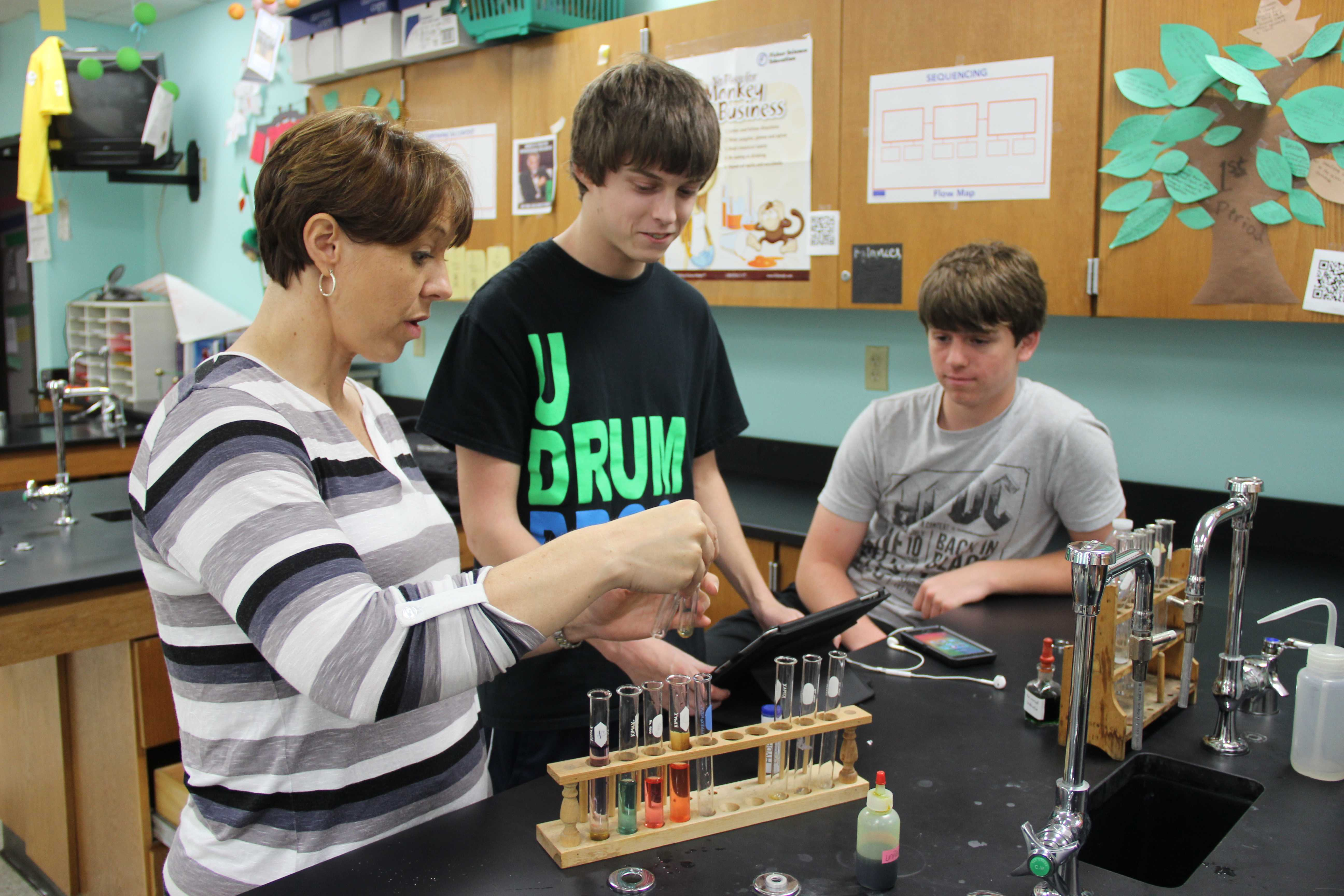 Chemistry Teacher Binds Together Fun And Science