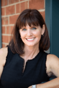 163: Hilarity Ensues, Failures Revealed, and Book Tips Abound with Bestselling Comedy Author Amy Lyle