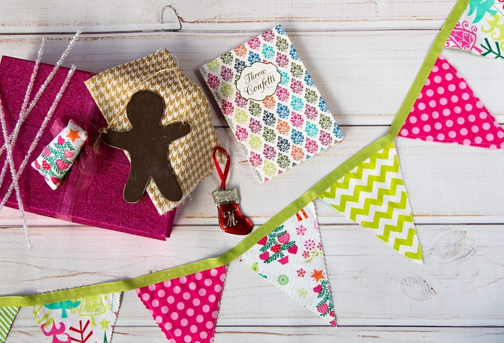 DIY-Christmas-Fabric-Pennant-Banner-Tutorial