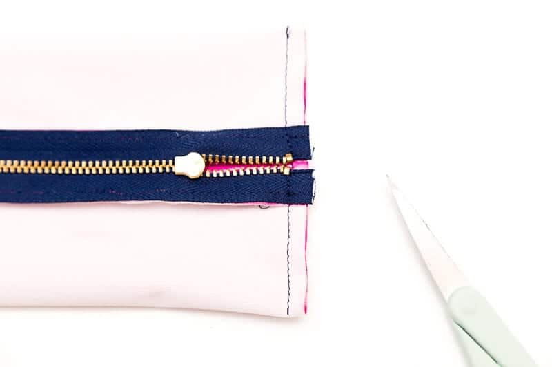 diy-zippered-diy-toothbrush-travel-case