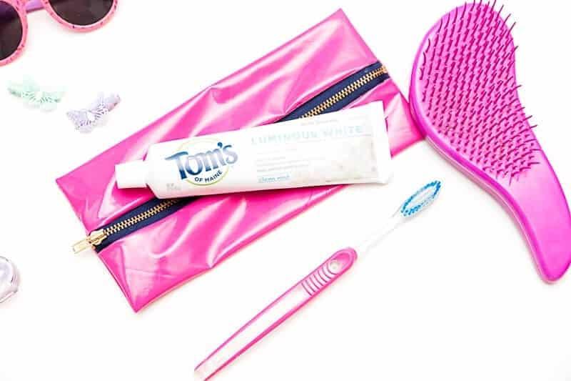 make-a-diy-toothbrush-travel-bag