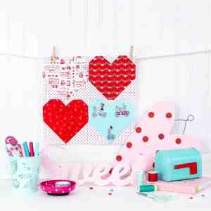 valentines-day-mini-quilt-free-cut-files-cricut-maker
