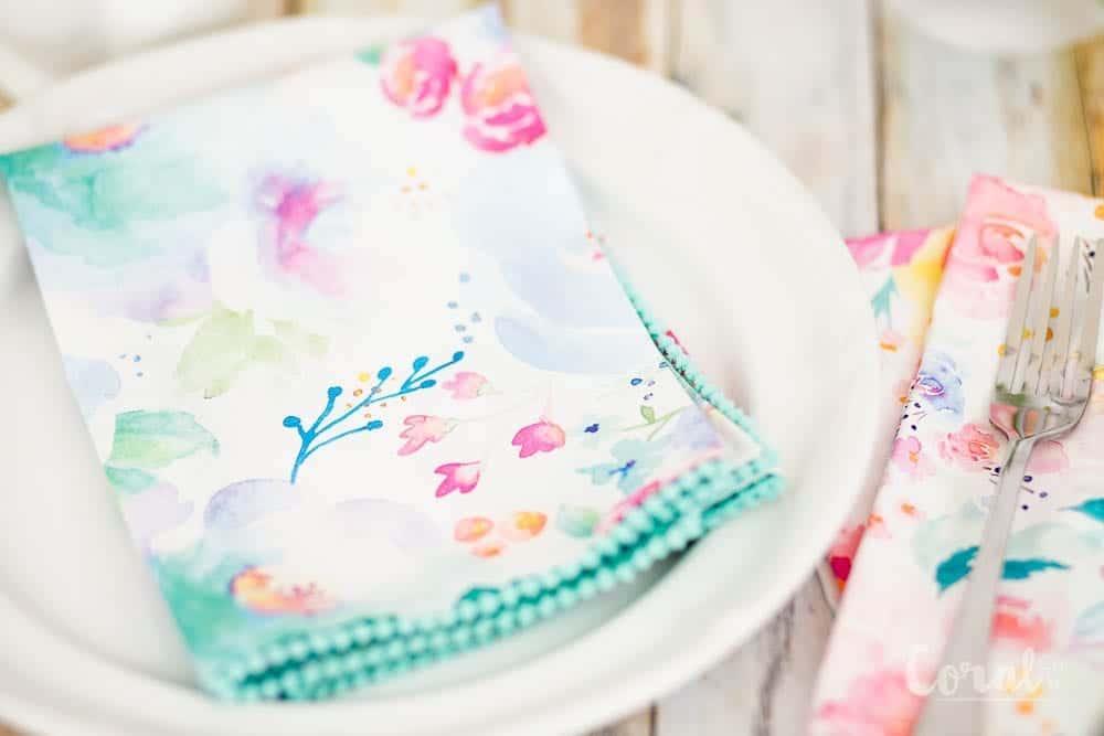 diy-pom-pom-napkin-tutorial-with-mitered-corner
