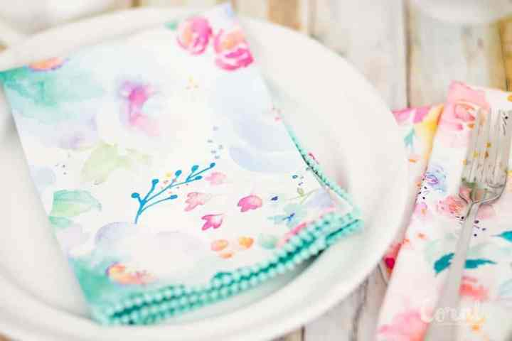 diy-pom-pom-napkin-tutorial-with-mitered-corner