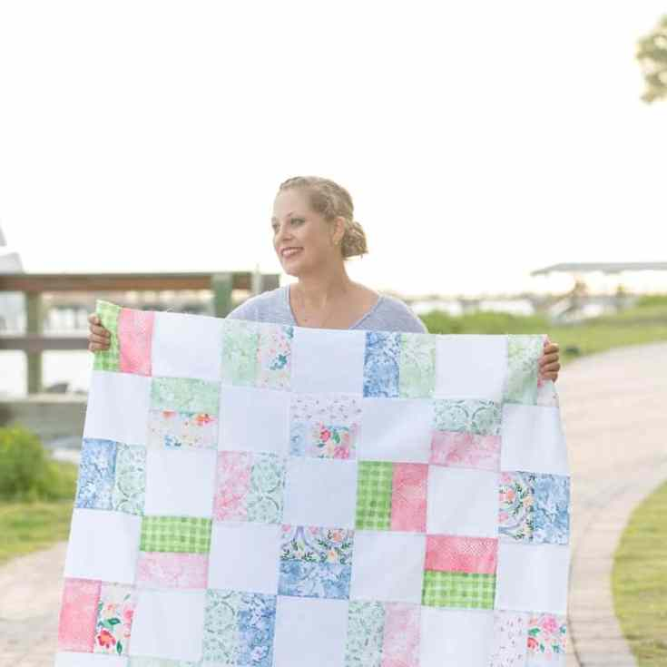 Free Baby Quilt Pattern For Beginners - Simple Squares Quilt Pattern + Crisp Petals Fabric