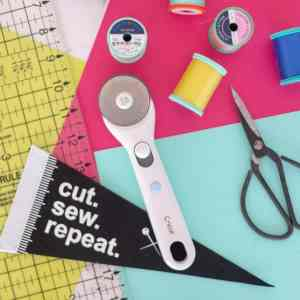 how-to-use-a-rotary-cutter-to-cut-fabric
