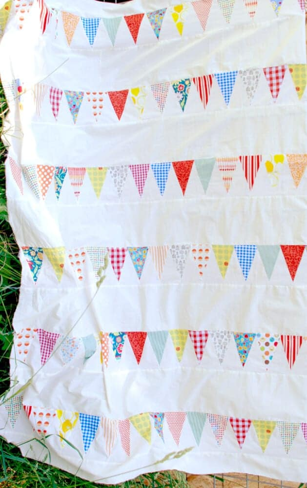 Bunting Triangles Quilt Pattern