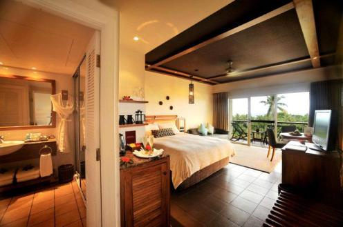 Superior & Deluxe Room - Outrigger on the Lagoon Fiji