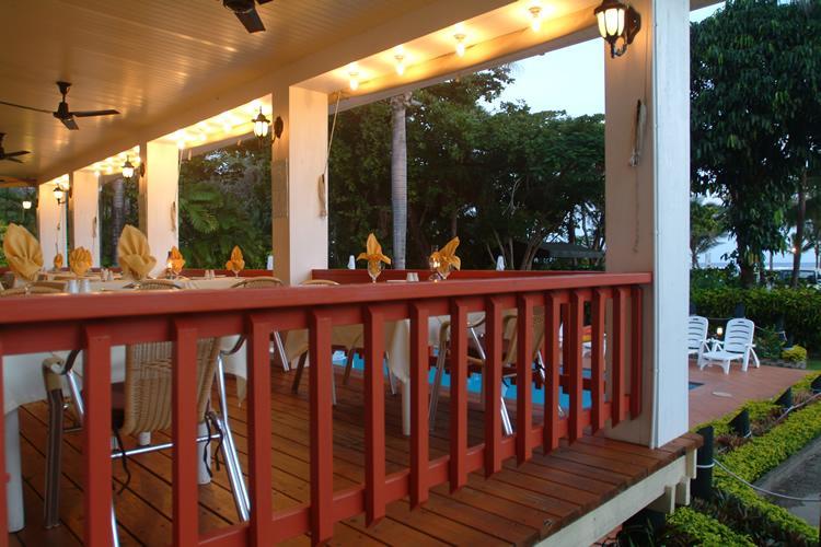 Balconey @ Ocean Terrace Restaurant at Bedarra Beach Inn