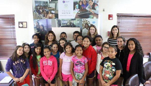 CODeLLA-summer-camp-Mary-Ann-Gomez-visit2