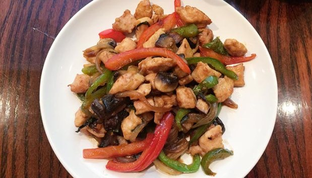 yuga-thai-basil-chicken2