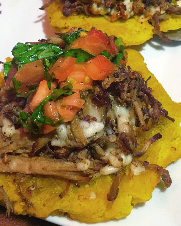 lekoke-tostones-with-lechon
