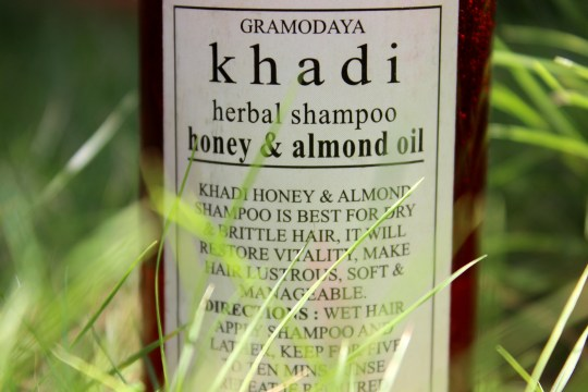 Khadi Herbal Shampoo Honey and Almond Oil Review