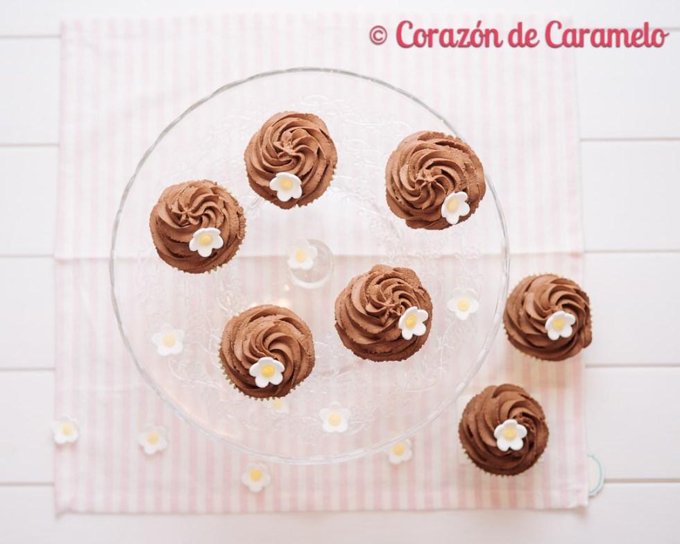 Deliciosas Recetas de cupcakes con té | Cupcakes de te matcha con crema de trufa montada