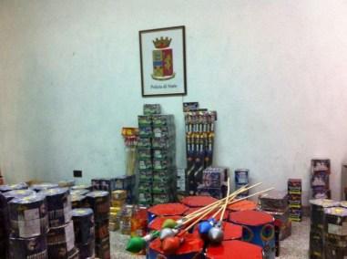 Maxi sequestro di fuochi di artificio in un capannone 4