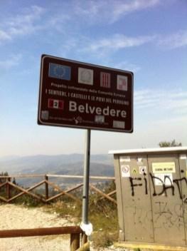 Preservativi e rifiuti al Belvedere 3