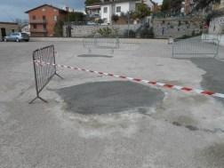 Una buona notizia: buche sistemate sul tetto/parcheggio di Corciano 6