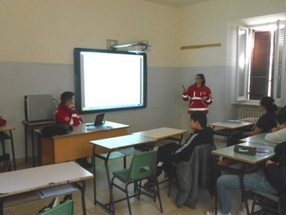 La Croce rossa alla Bonfigli insegna il primo soccorso 23