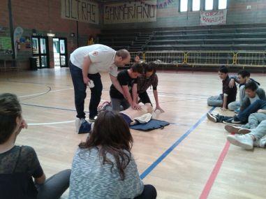 La Croce rossa alla Bonfigli insegna il primo soccorso 27