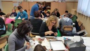 I bambini delle elementari presentano i loro lavori nella Sala del Consiglio Comunale 9