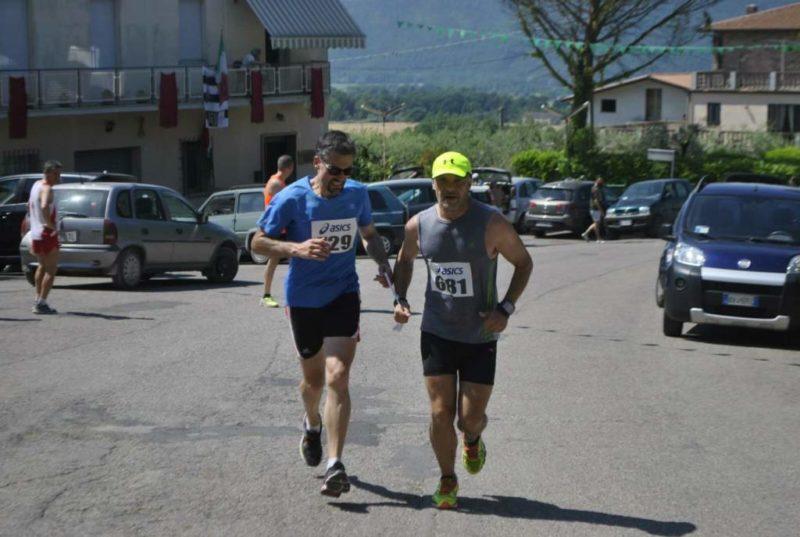 """Luca Aiello, maratoneta non vedente, si prepara ai 42 km del Mugello: """"Quando corro, volo"""""""