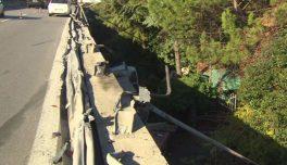 """Camion giù dal viadotto, Anas: """"La barriera del raccordo sarà ripristinata in 48 ore"""" 2"""