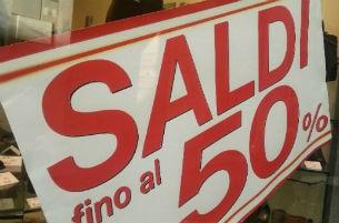 acquisti commercio saldi shopping economia