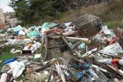Rifiuti pericolosi vicini ad un cantiere, sequestrata un'area di 5000 metri quadrati 1
