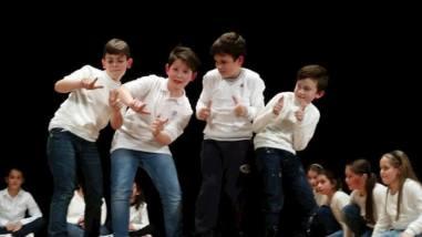 Alle primarie Bonfigli i bambini imparano l'inglese...recitando 7